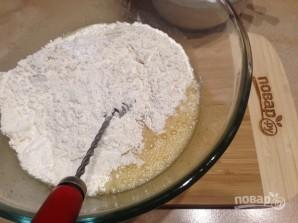 Пирог с консервированными абрикосами - фото шаг 4