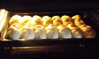 Пирожки с курагой в духовке - фото шаг 11