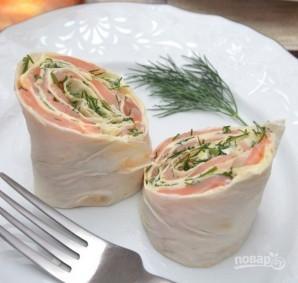 Лаваш с сыром, и семгой, и зеленью - фото шаг 7
