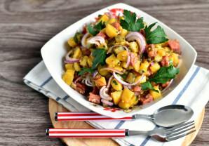 Немецкий салат с колбасой и солеными огурцами - фото шаг 6