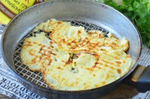 Крабовый салат с омлетом - фото шаг 4