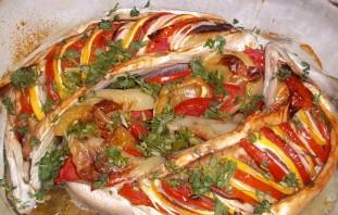 Горбуша, запеченная с овощами - фото шаг 3
