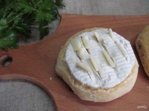 Камамбер в хлебном горшочке с картофелем - фото шаг 5
