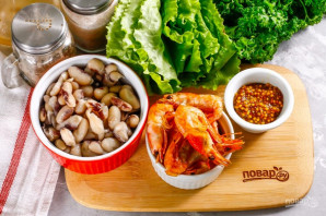 Салат с креветками и фасолью - фото шаг 1