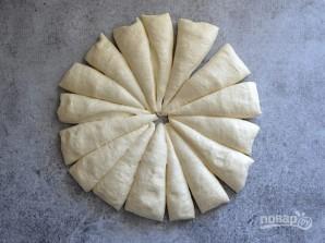 Брецель с чесноком и сыром - фото шаг 3