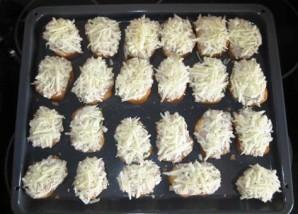 Бутерброды с сайрой и яйцом - фото шаг 13