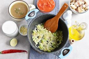 Суп из коктейля морепродуктов - фото шаг 2
