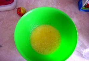 Яблочная шарлотка на скорую руку - фото шаг 4