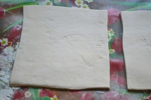 Ватрушки из слоеного теста с творогом - фото шаг 4