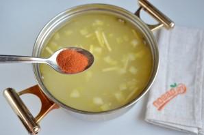 Нежный рисовый суп с курицей и шпинатом - фото шаг 4