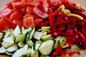 Салат на зиму с огурцами и помидорами - фото шаг 2