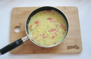 Омлет с сыром и кабачком - фото шаг 10
