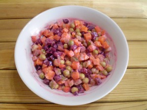 Салат к вареникам - фото шаг 7