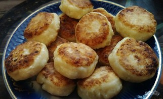 Сырники из домашнего творога - фото шаг 6