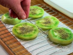Зеленые помидоры в панировке - фото шаг 5