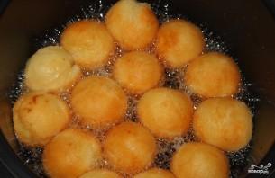 Творожные шарики в мультиварке - фото шаг 7