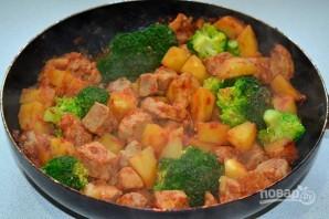 Картофель с мясом и брокколи - фото шаг 11