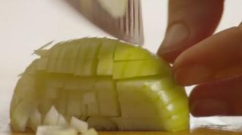 Крем-суп из брокколи с сыром - фото шаг 2