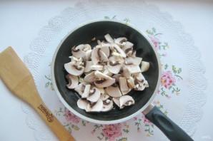 Салат с мясом и жареными шампиньонами - фото шаг 7
