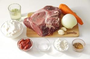 Говядина на сковороде с морковью и луком - фото шаг 1