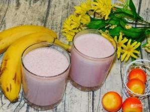 Молочный коктейль с малиной и бананом - фото шаг 4