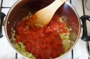 Томатный суп с рыбой - фото шаг 8