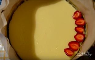 Творожный чизкейк с клубникой  - фото шаг 8