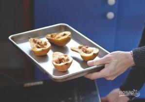 Запеченные груши с грецкими орехами и медом - фото шаг 6