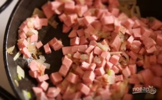 Простой рецепт горячих бутербродов в духовке - фото шаг 3