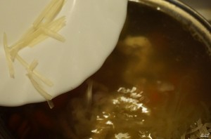 Суп с рисовой лапшой - фото шаг 4