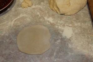 Пирожки с печенью в духовке - фото шаг 7