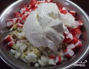 Салат из крабовых палочек с рисом - фото шаг 5