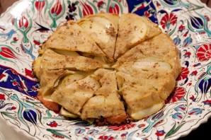 Шарлотка с яблоками и ревенем - фото шаг 5