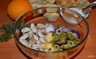 Салат с сыром, апельсином и курицей - фото шаг 8