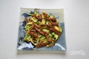 Салат с говядиной и яичными блинчиками - фото шаг 13