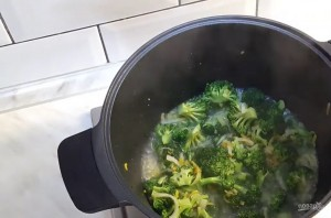 Вкусный суп из брокколи - фото шаг 3