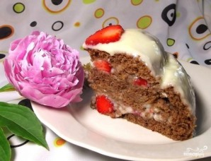 Шоколадный торт с клубникой - фото шаг 8