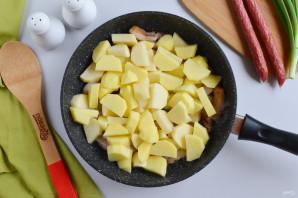 Жареная картошка с охотничьими колбасками