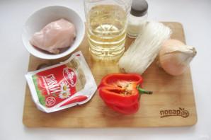 Фунчоза в сливочном соусе - фото шаг 1