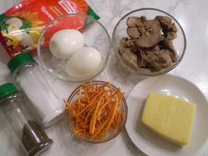 Вкусный салат с корейской морковкой - фото шаг 1