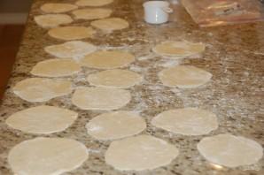 Пирожки с яблочной начинкой в духовке - фото шаг 9