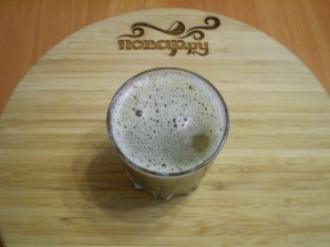Зеленый коктейль со сливой - фото шаг 5