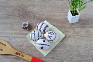Крашеные яйца луковой шелухой (коричневые) - фото шаг 3