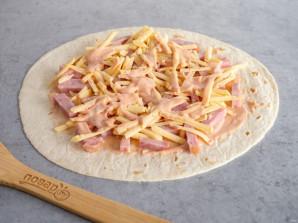 Тортилья с ветчиной и сыром - фото шаг 6