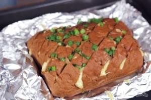 Хлеб с сыром и чесноком - фото шаг 4