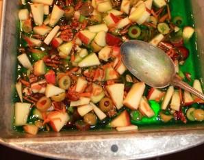 Яркий салат-желе на Новый год - фото шаг 2