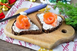 Бутерброды с красной рыбой и лимоном - фото шаг 4