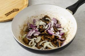 Салат с грибами шампиньонами жареными - фото шаг 3