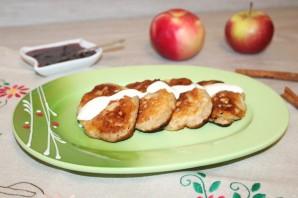 Оладьи с яблоками и корицей - фото шаг 10