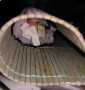 Роллы с копченой горбушей и кунжутом - фото шаг 4